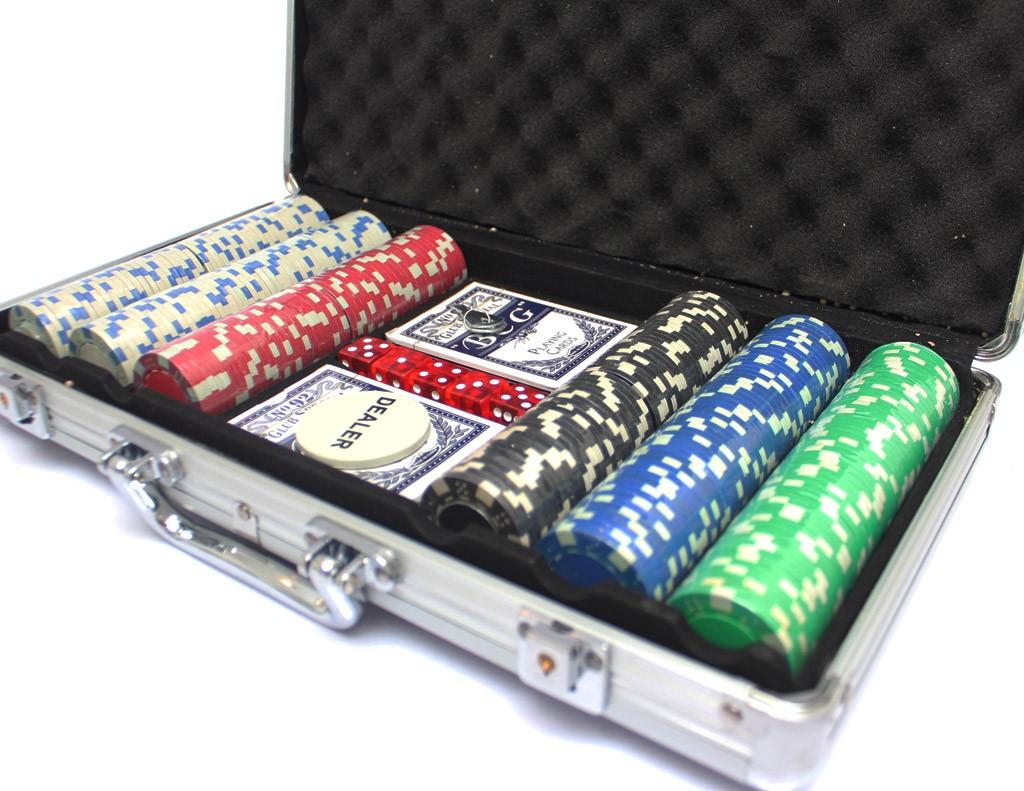 boyfriend-gift-poker