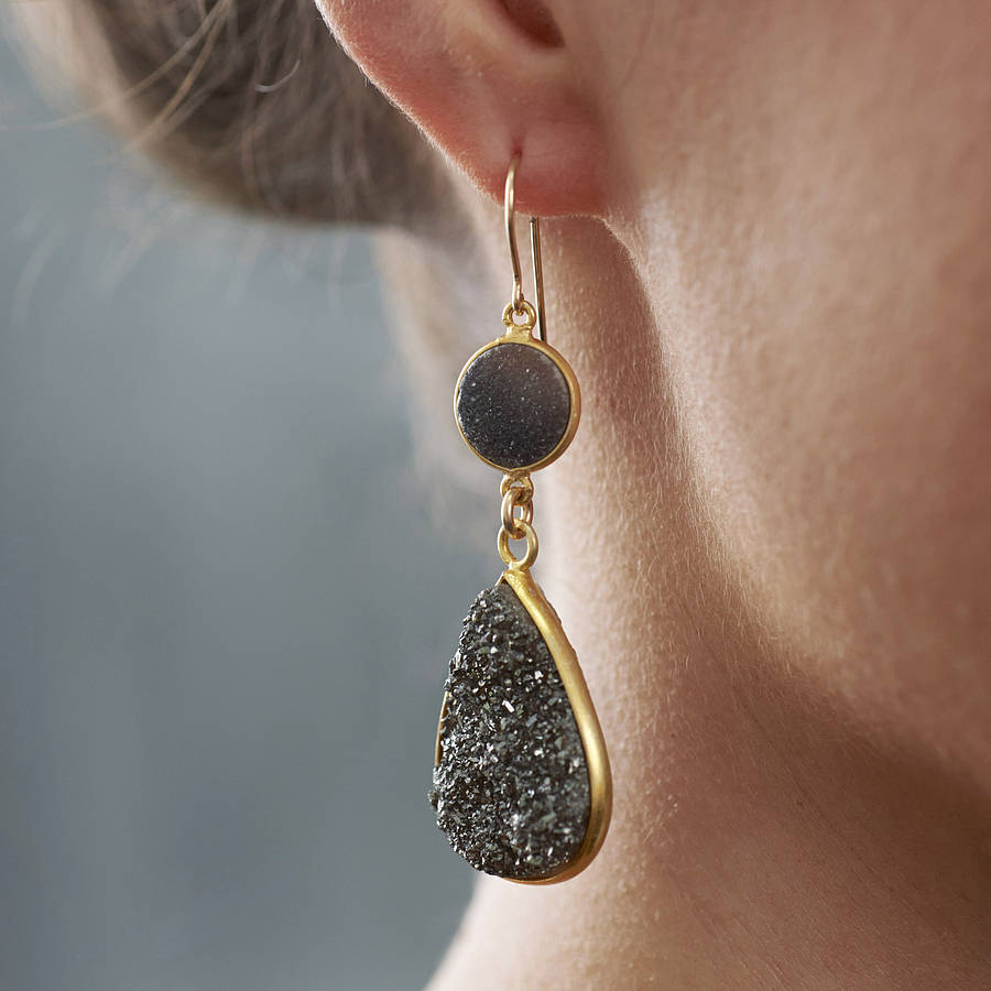 Photo of 10 Must Have Earrings In Your Jewelry Box