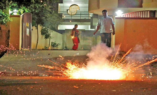 Photo of 6 Reasons to Say No to Fire Crackers This Diwali!