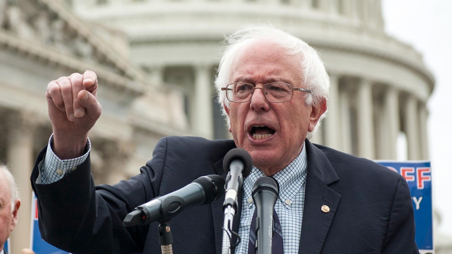Photo of Bernie Sanders Creates History, Outpacing Obama's 2008 Fundraising
