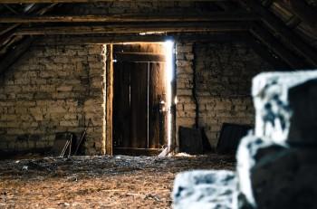 attic-112267_960_720
