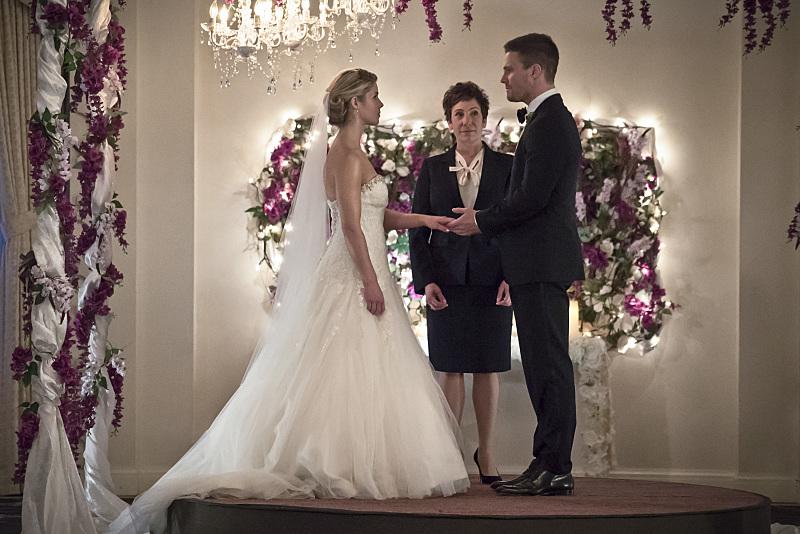 Photo of Arrow Season 4: Love is Bullet to the Brain, Arrow to the Heart?