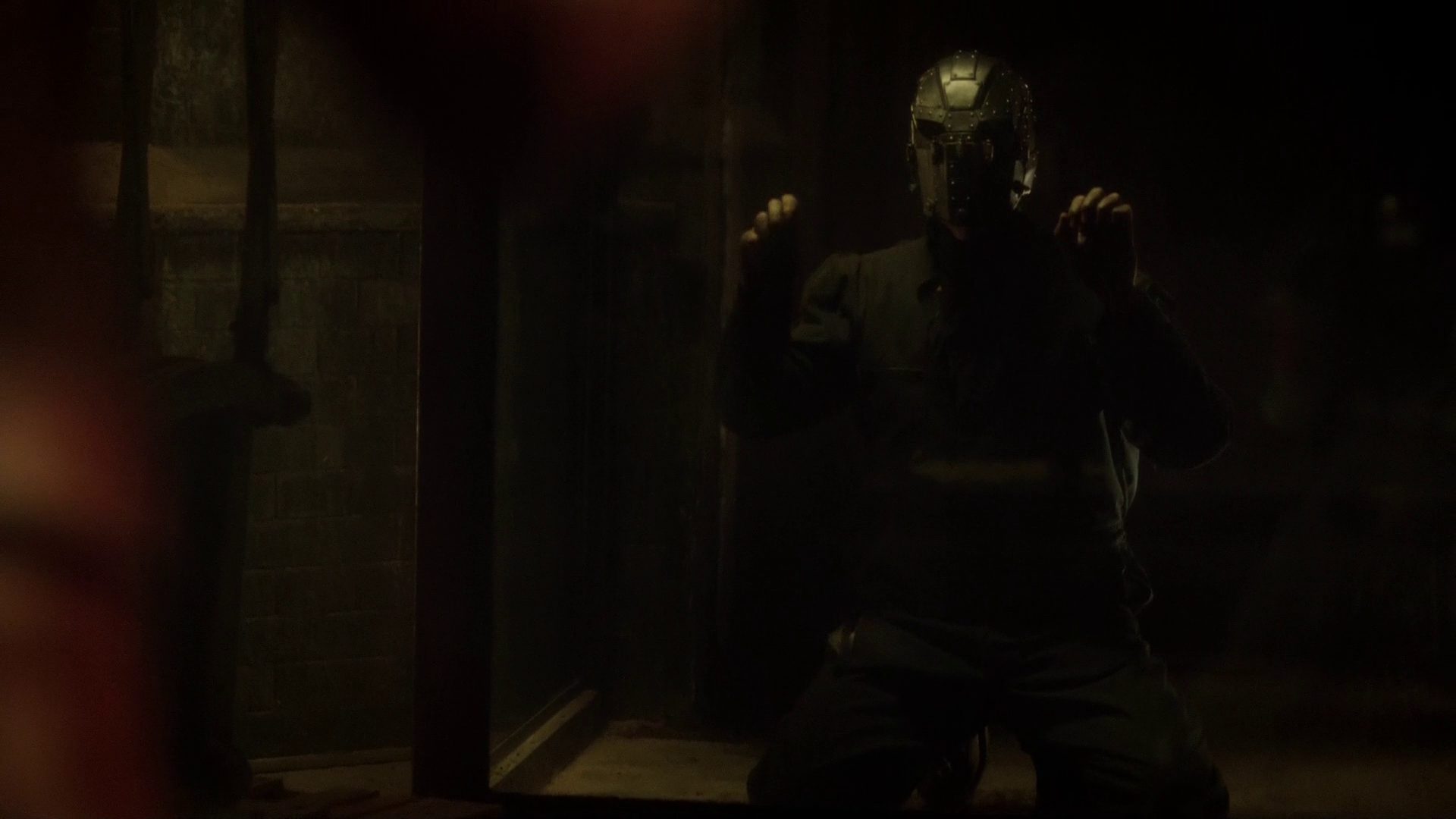 Photo of Flash Season 2: It's Almost Confirmed Who is Mysterious Man in the Iron Mask!!