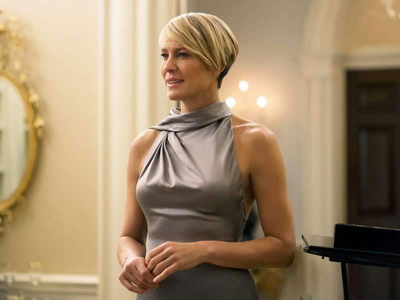 "Photo of Robin Wright raises ""Pay equity"" issue in the Entertainment industry"