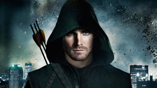 """Photo of Stephen Amell teasing """"a vicious, violent, mean fight scene"""" in Season 5 premiere"""