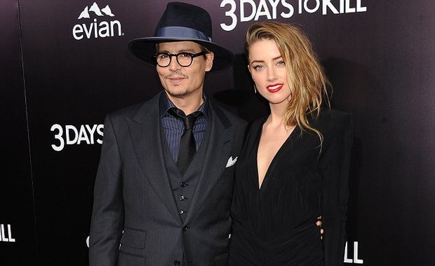 """Photo of Johnny Depp wants a """"restraining order"""" against Amber Heard?"""