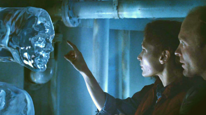 Abyss with Mary Elizabeth Mastrantonio and Ed Harris