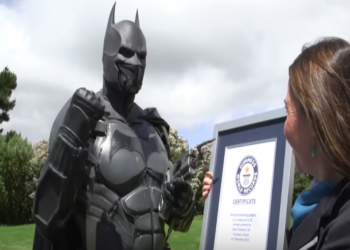 Guinness World Records 2017 batman cosplay suit
