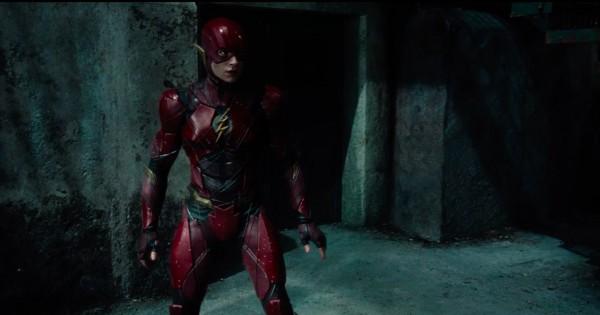 justice-league-movie-image-flash-16-600x315