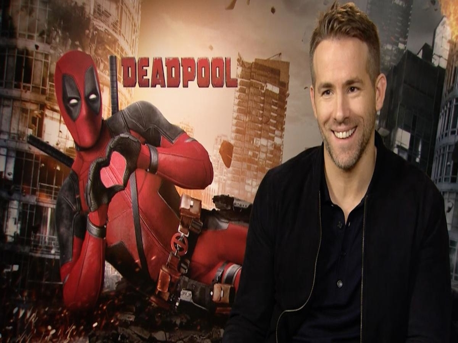 Photo of Ryan Reynolds Paid From His Own Pocket To Have Deadpool Writers On Set