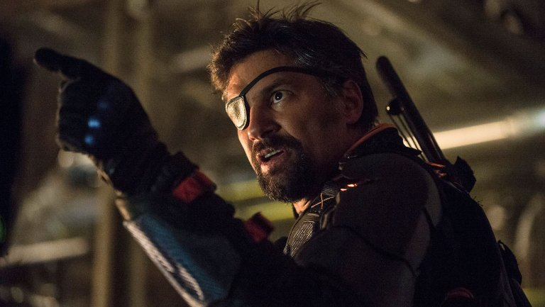 Photo of Manu Bennett's EPIC Reaction to Joe Manganiello Playing Deathstroke