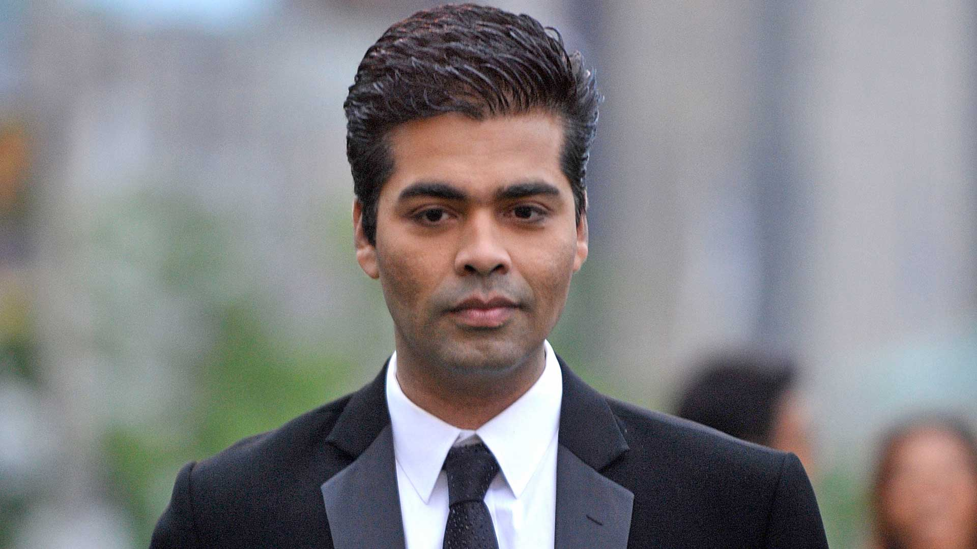 Photo of 5 Reasons Why Karan Johar Is The Biggest Loser In Bollywood