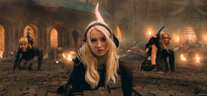 "(L-r) JENA MALONE as Rocket, EMILY BROWNING as Babydoll and ABBIE CORNISH as Sweet Pea in Warner Bros. Pictures' and Legendary Pictures' epic action fantasy ""SUCKER PUNCH,"" a Warner Bros. Pictures release."