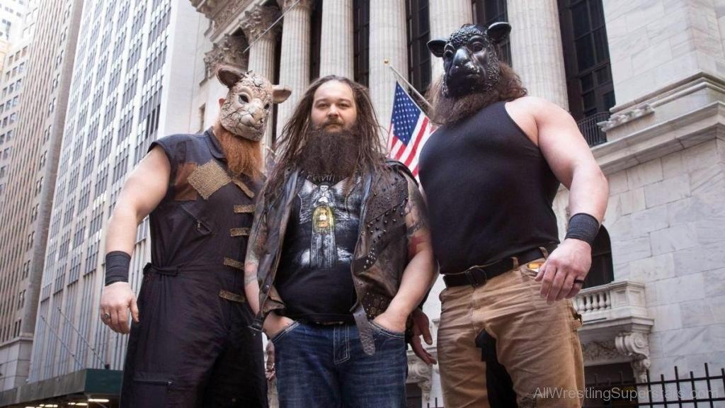 bray-wyatt-and-braun-strowman-and-erick-rowan-awl117