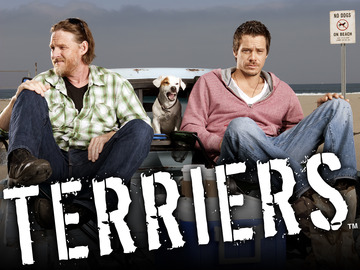 TERRIERS: L-R: Donal Logue as Hank Dolworth and Michael Raymond-James as Britt Pollack in TERRIERS premiering on FX. CR: Mike Muller / FX