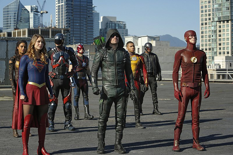 Photo of CW Mega Crossover Official Image Released And It's Bad-Ass