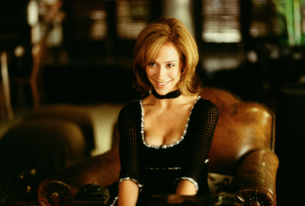 6 Sexiest Actresses Who Look Stunning In French Maid Outfits