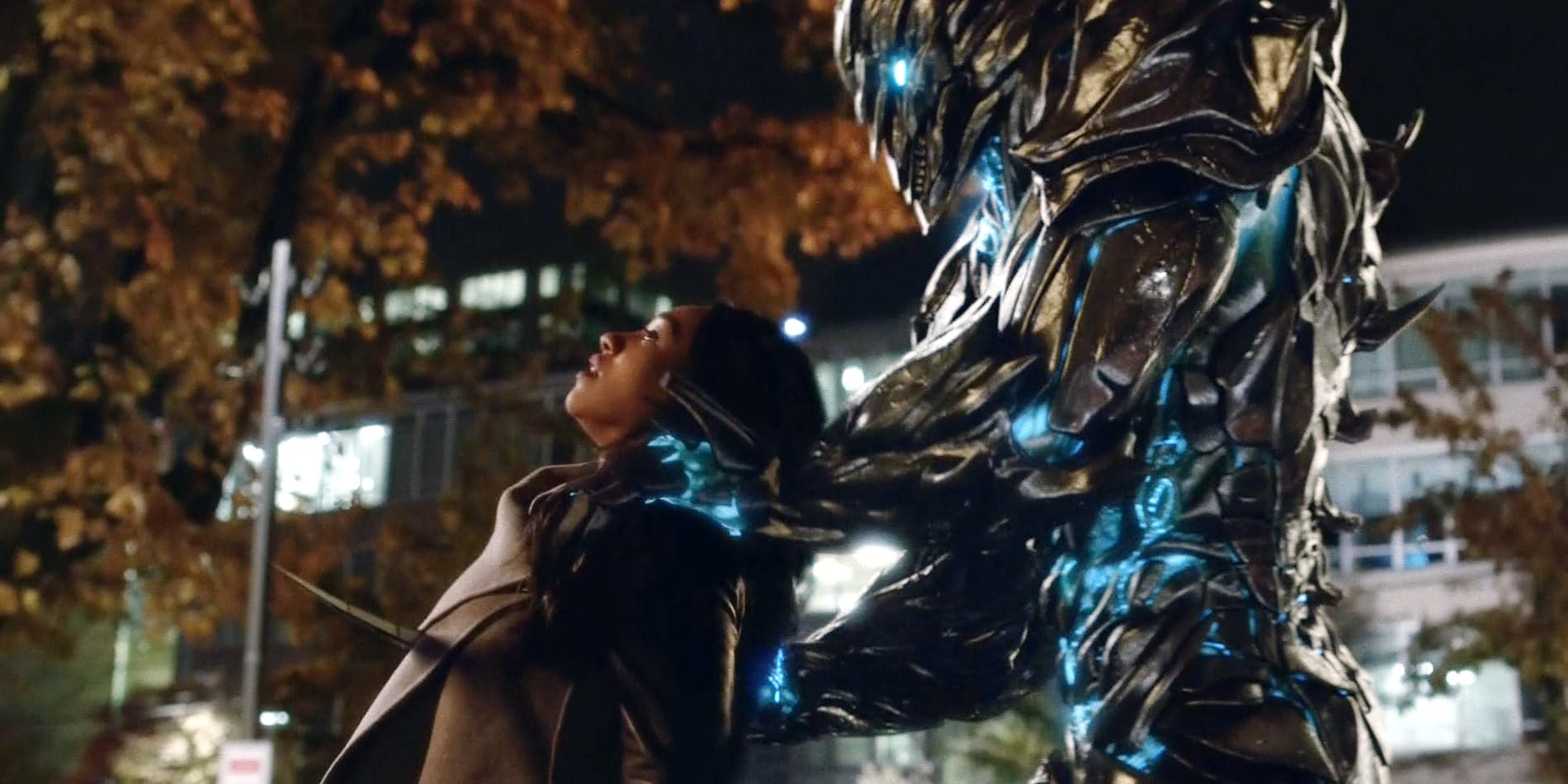 Photo of Flash Season 3: Could FLASH Save Iris West From Savitar In The Future?