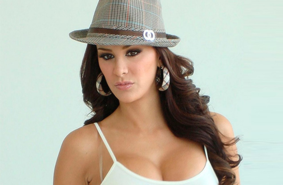 4 Sexiest Latina Celebrities You Can T Resist Drooling