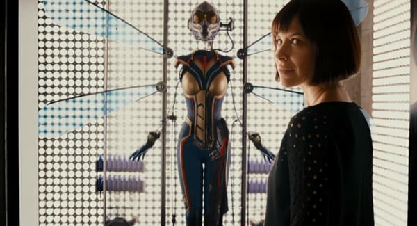 "Photo of Evangeline Lilly aka The Wasp Confirmed Major Fan Theory About ""Quantum Realm"""