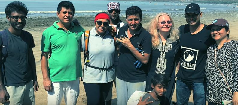 Photo of Here's How A Man Spearheaded The World's Biggest Beach Clean-Up