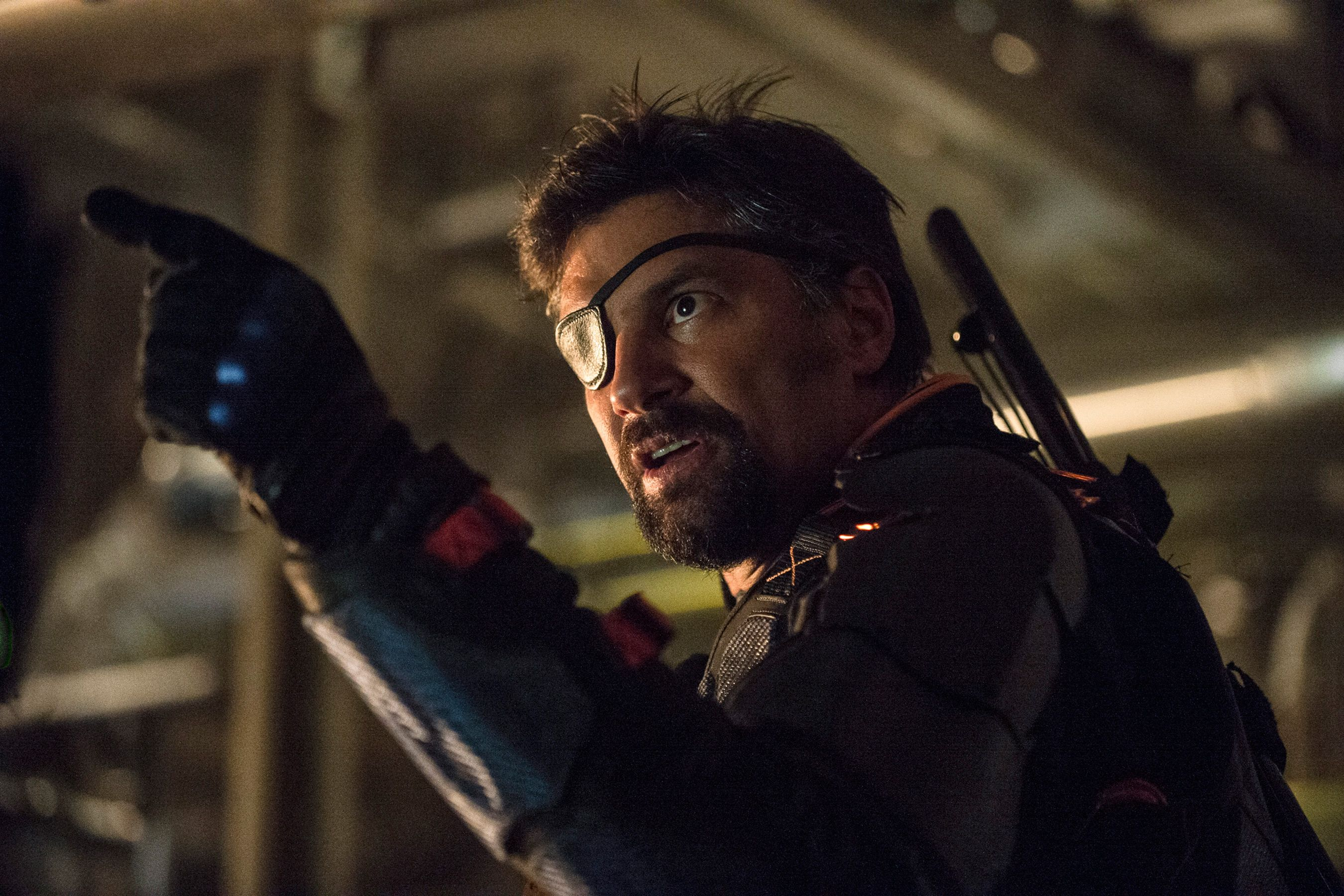 Photo of Here's Why Manu Bennett Deserves His Own CW Spin-Off Series