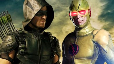 Photo of Stephen Amell Wants Green Arrow To Fight Two Powerful Flash Villains
