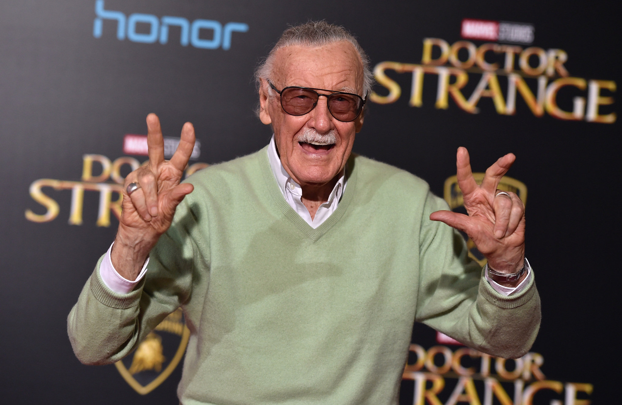 Photo of Stan Lee Reveals How Marvel Used To Troll DC Back In The Old Days
