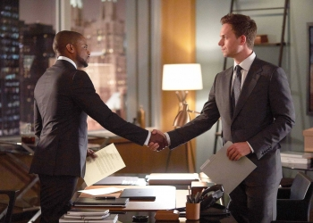 """SUITS -- """"Mudmare"""" Episode 703 -- Pictured:  (l-r) Dulé Hill as Alex Williams, Patrick J. Adams as Michael Ross -- (Photo by: Shane Mahood/USA Network)"""