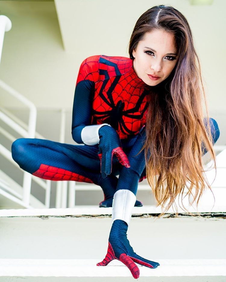 12 Hottest Spider-Girl Cosplays That Are Too Hot To Handle