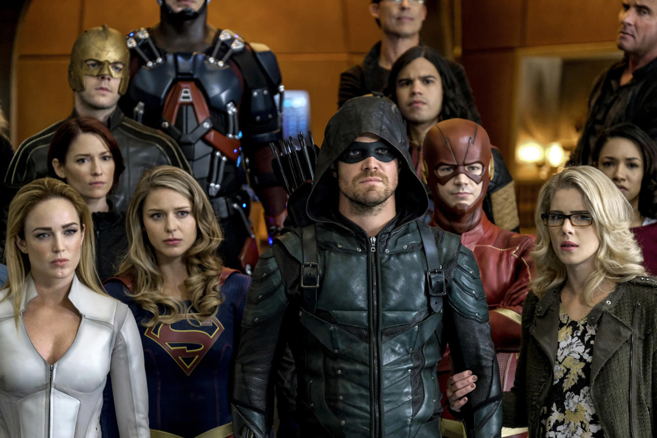 Will Jensen Ackles Play The Batman in The CW Crossover? Here's What Stephen Amell Said…