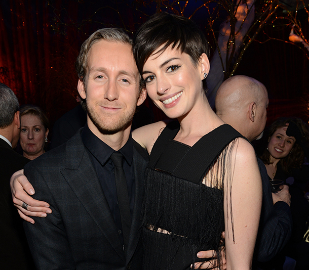 10 Famous Actors Who Married Common People