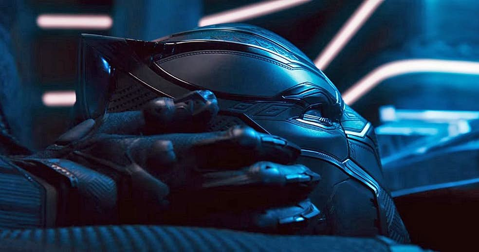 The Black Panther Suit Is More High Tech Than The Iron Man Armor!!!