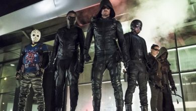 Photo of Two Major Characters From 'Arrow' Leave The Show