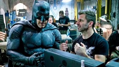 "Photo of Zack Snyder Calls Ben Affleck His ""Perfect Batman"""