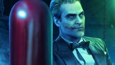 Photo of Joaquin Phoenix is Seen Crossing Paths With Two Interesting Characters in New Set Photos of 'Joker'