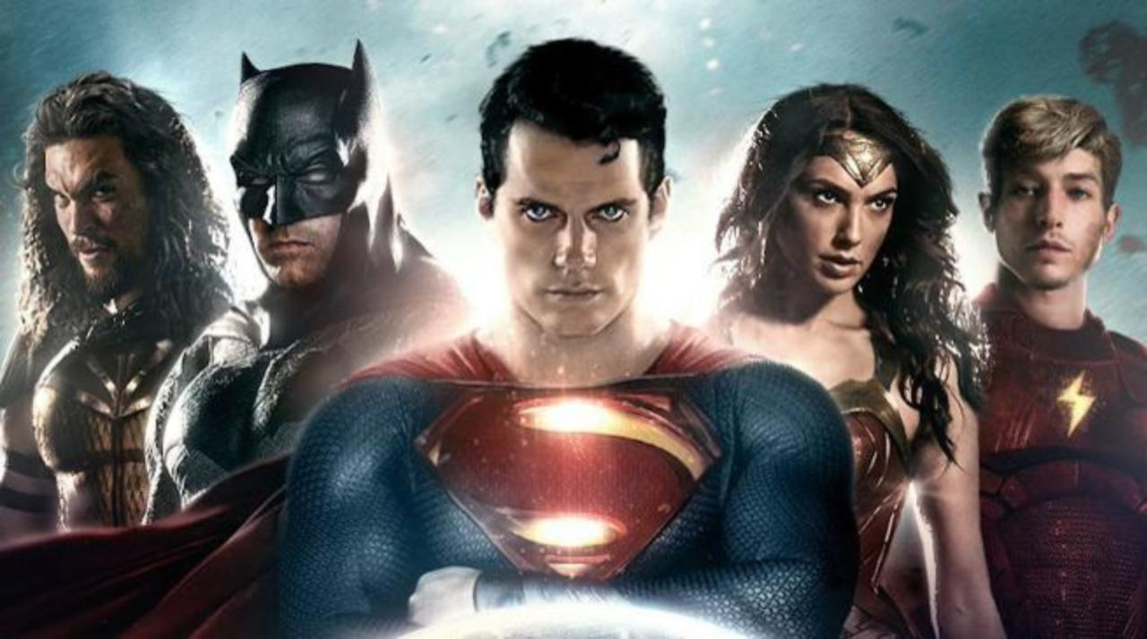 Zack Snyder Explains Why Batman Wore Glasses In The Justice League