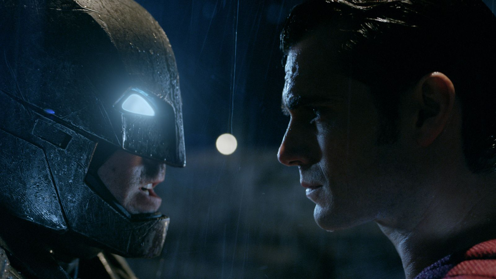Photo of 13 Greatest Batman vs Superman Fight Sequences of All Time – Ranked