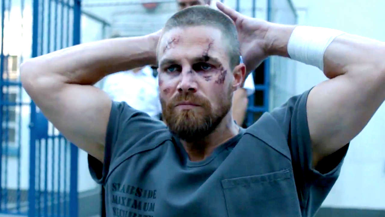 Photo of Arrow Season 7 Trailer Shows Oliver Queen In Naked Prison Fight Scene