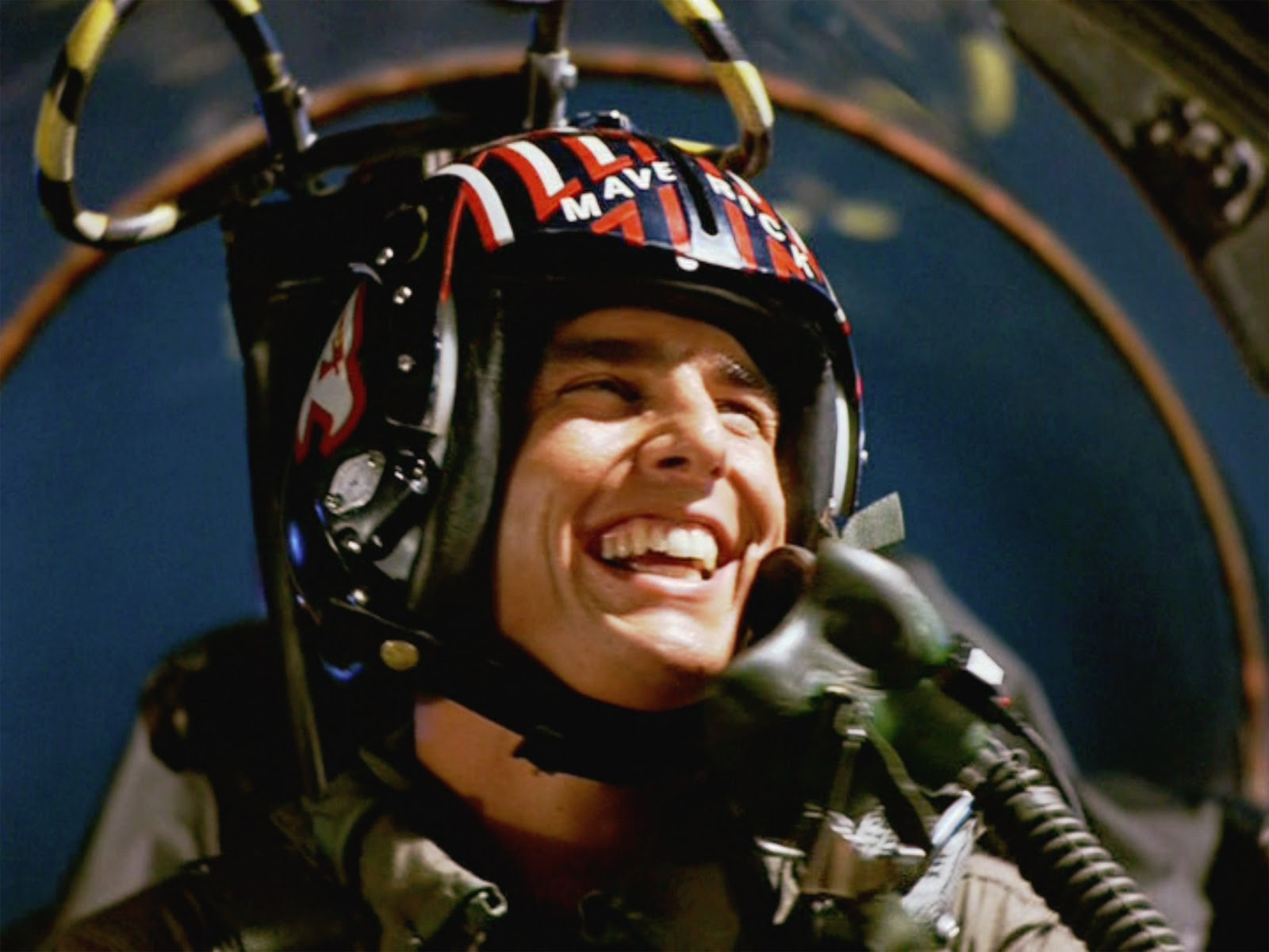 Top Gun 2 Set Photo Reveals Cruise Will Pilot A Deadly New Fighter Jet!