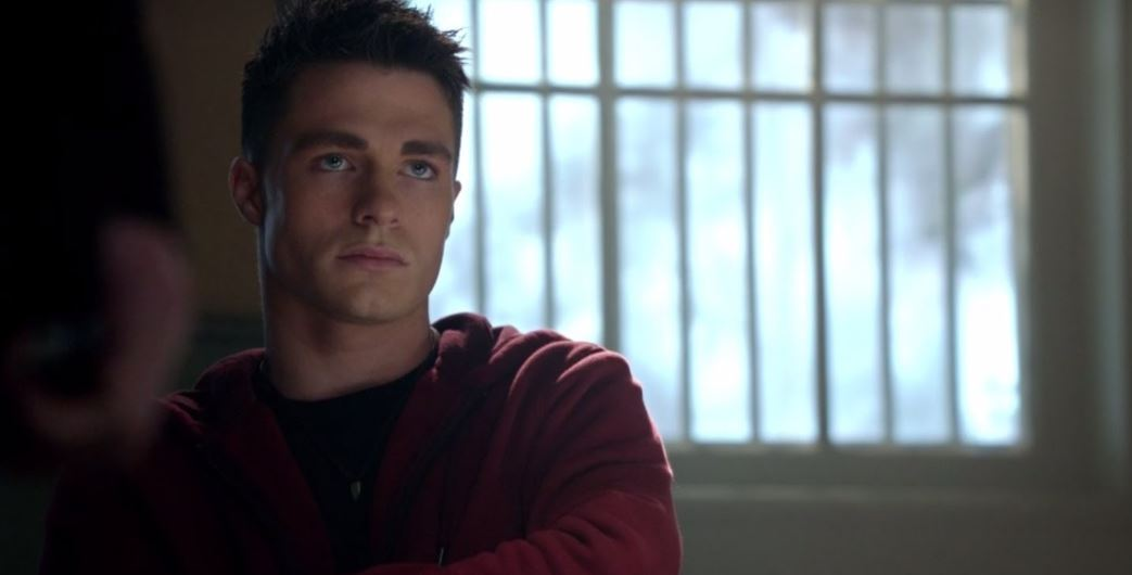 Photo of 'Arrow' Show Runner Hints at Dreadful Ending For Roy Harper
