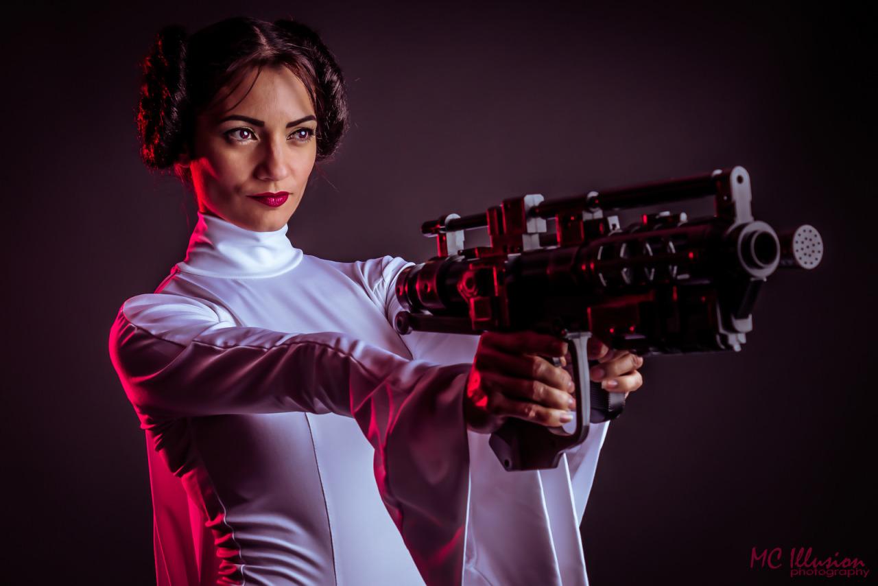 Princess Leia Cosplays