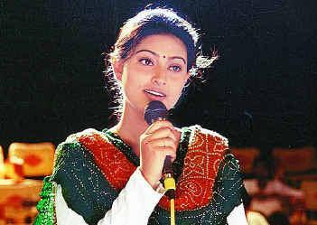 Ovvoru Pookalume Song Lyrics In Tamil