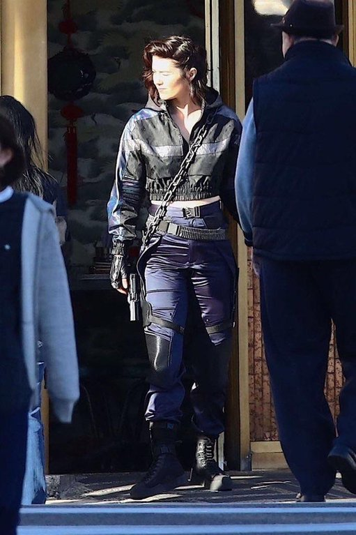 Birds of Prey BTS Photo Huntress