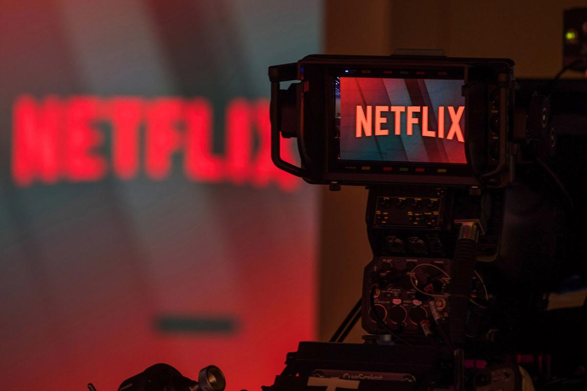 Netflix vs Hulu vs Amazon Prime vs HOOQ