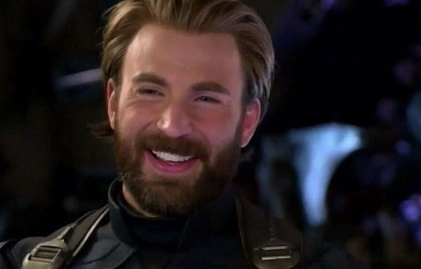 Photo of Avengers: Endgame Star Chris Evans Shows His Off-Set Superpower in New Hilarious Photo