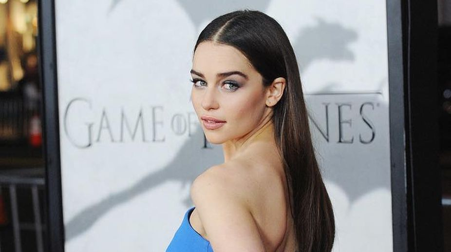 Photo of 10 Amazing Facts About Our Rightful Queen: Emilia Clarke
