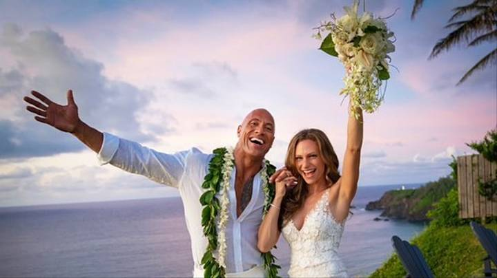 Photo of Dwayne 'The Rock' Johnson Gets Married to Long-time Girlfriend Laura Hashian