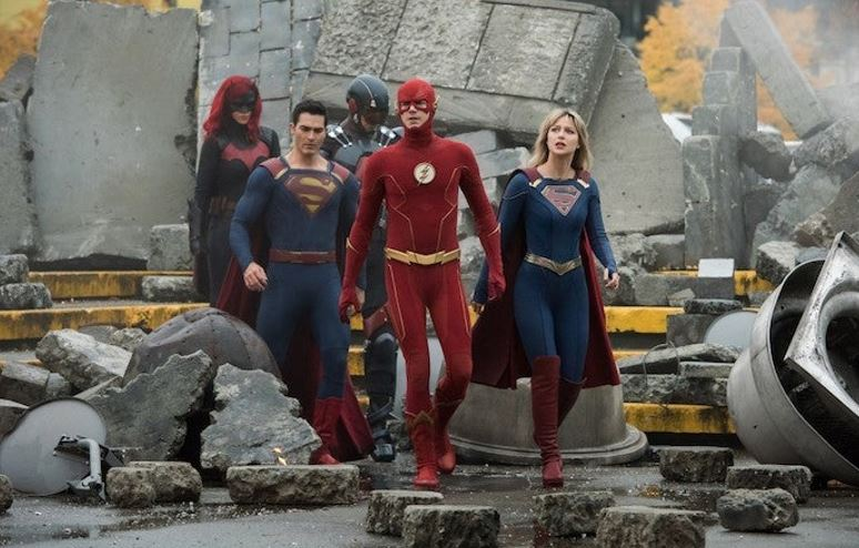 Photo of The First Photos of Crisis on Infinite Earths Crossover Revealed