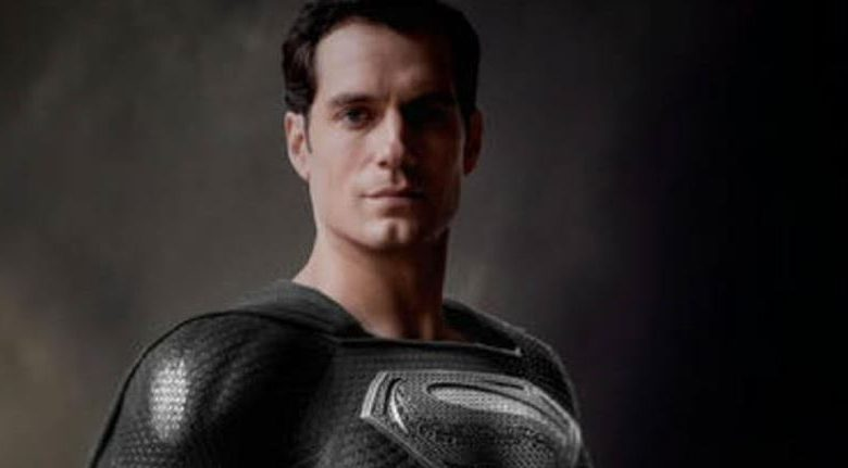 How Black Suit Superman Appeared in the Movie